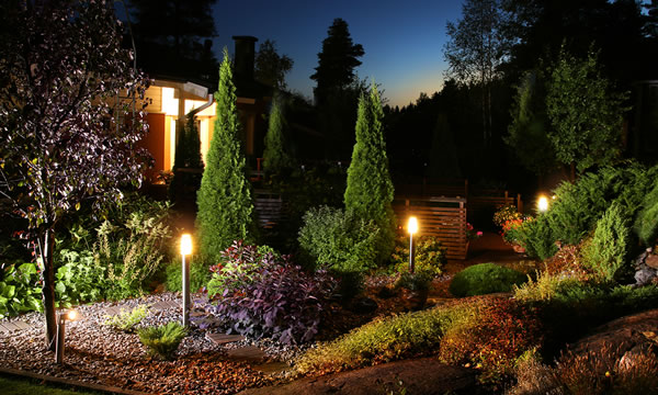 How To Repair And Maintain Landscape Lighting In Your Yard